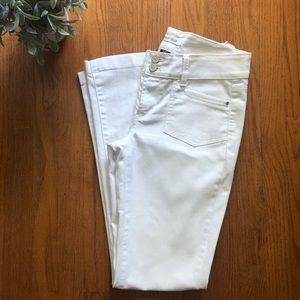 WHBM Blanc Essential White Boot Cut Jeans 6 Short